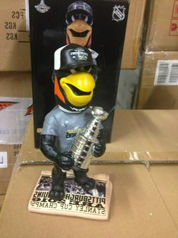 Iceburgh Pittsburgh Penguins BobbleHead 2016 Stanley Cup Tro
